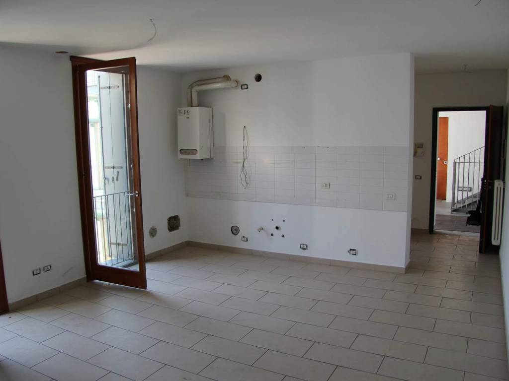 foto zona giorno Трехкомнатная квартира via Roma 30, Lambrugo