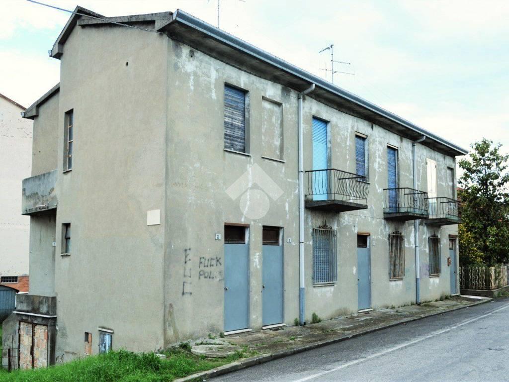 foto  Fazenda, para restauro, 300 m², Gambettola