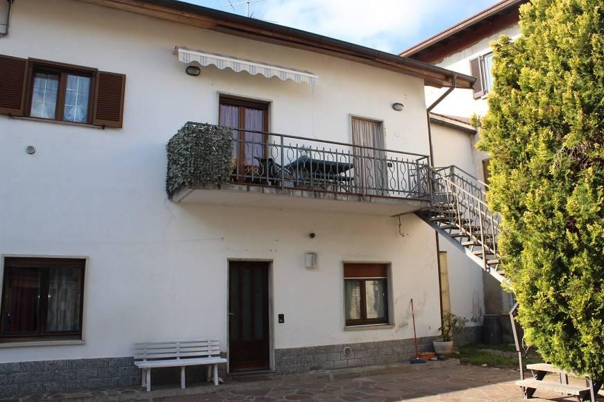 foto  Quadrilocale via Viggiù, Saltrio