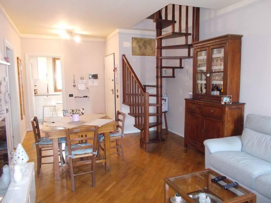 foto soggiorno Appartamento via Cino da, Vecchiano