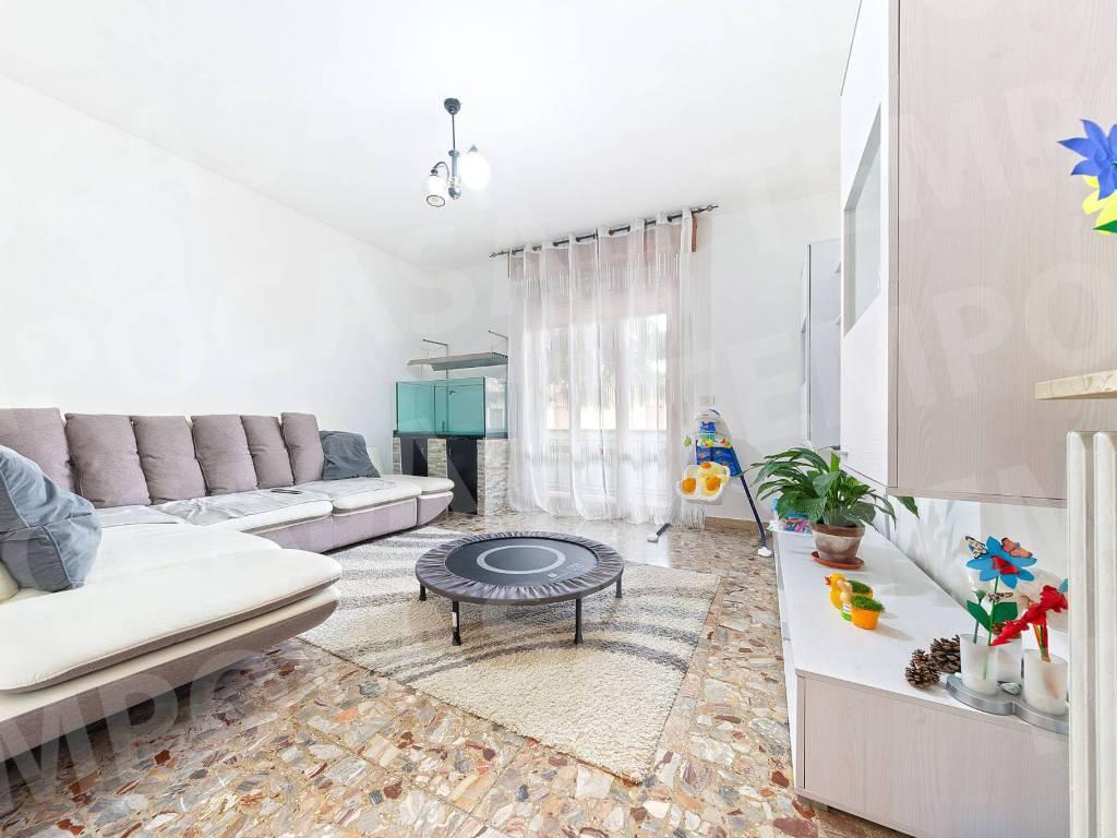 foto sala Apartamento T4 via Alessandro Volta 8, Correggio
