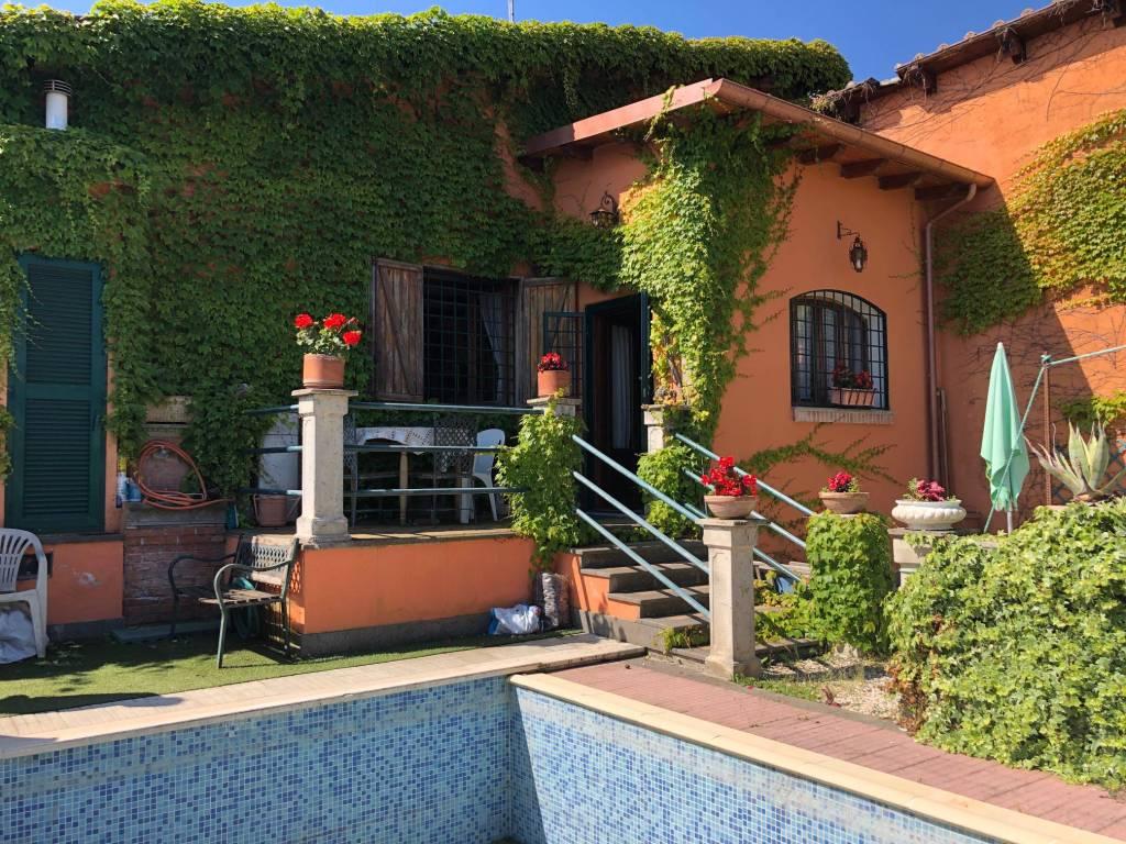 foto esterno Two-family villa via delle Cisternole, Frascati
