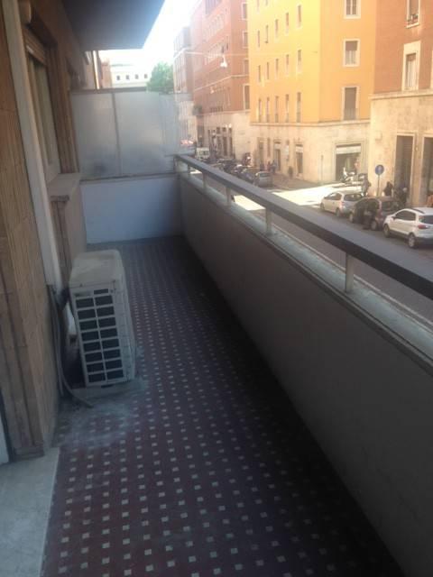 foto  Trilocale via del Mascherino, Roma