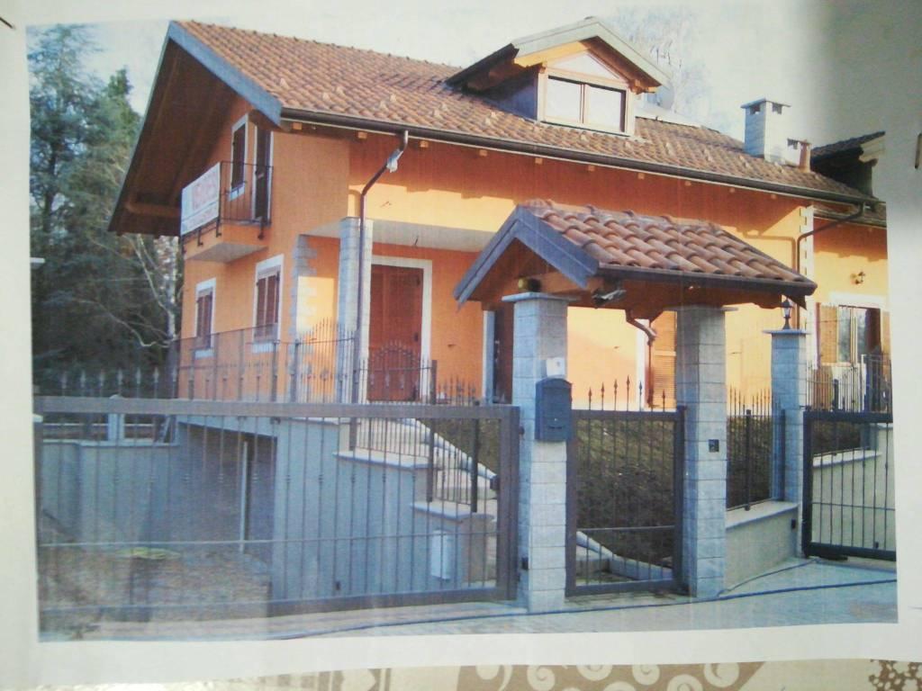 foto  Single family villa via Torino Poligono, Lombardore