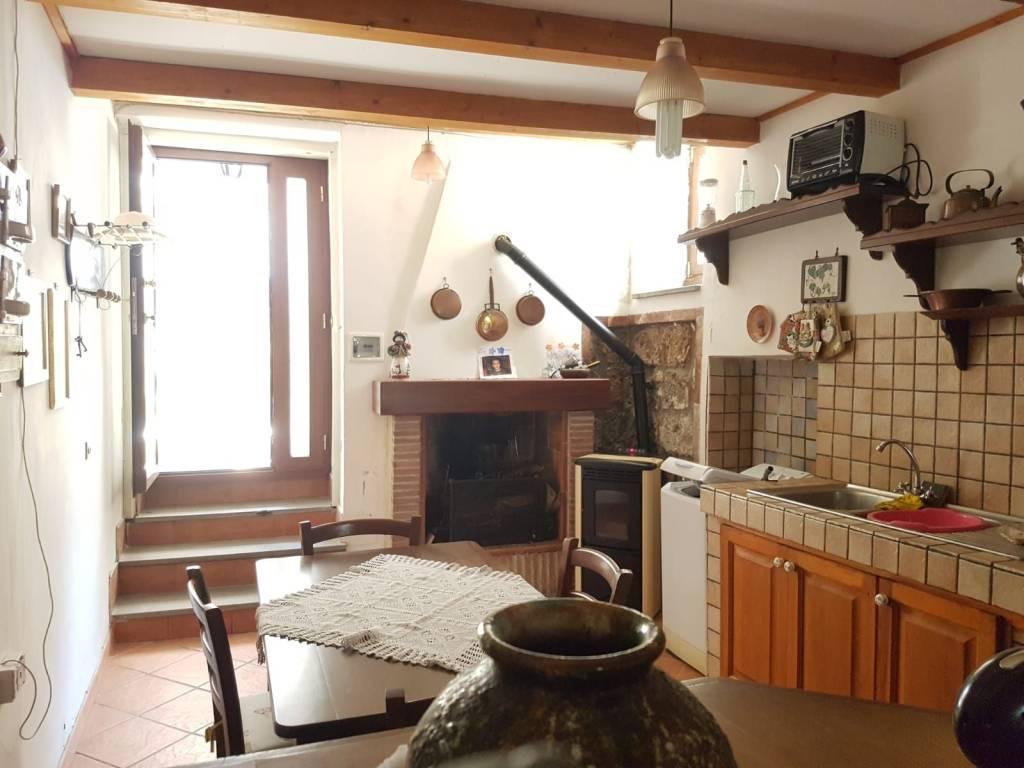 Agenzie Immobiliari Bassano vendita appartamento bassano romano. bilocale in via del
