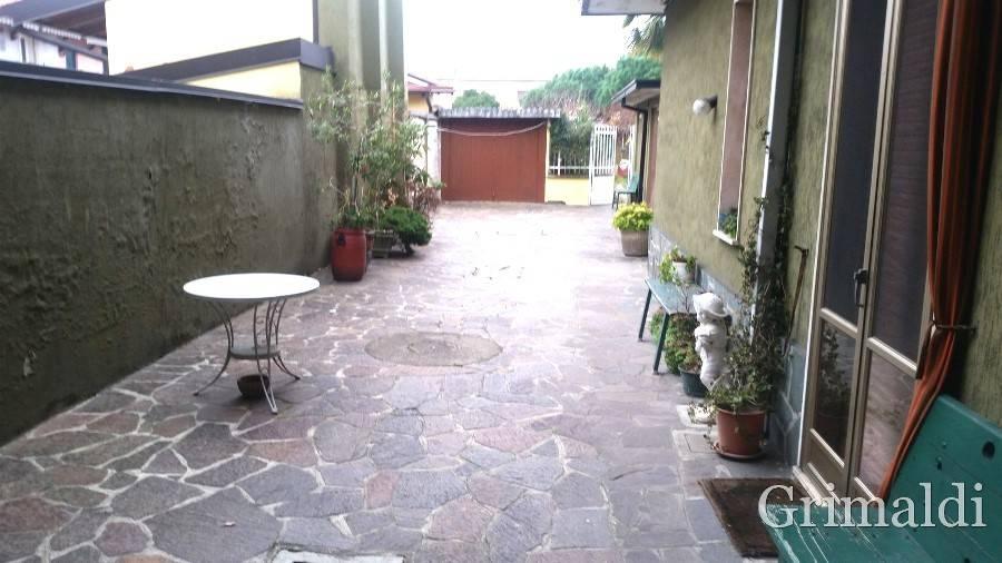 foto Esterno Detached house 281 sq.m., excellent condition, Magenta