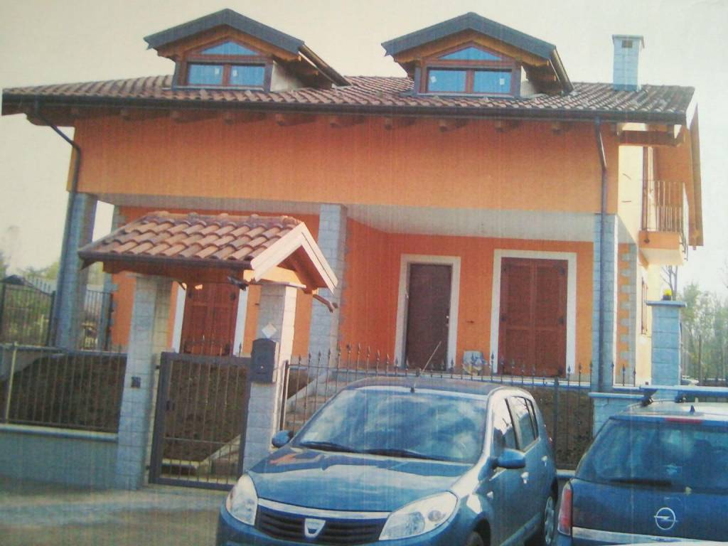 foto  Single family villa, new, 320 sq.m., Lombardore