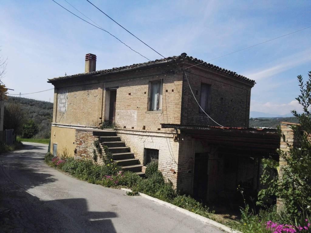 foto  Rustico Strada Provinciale  Pianella, Moscufo