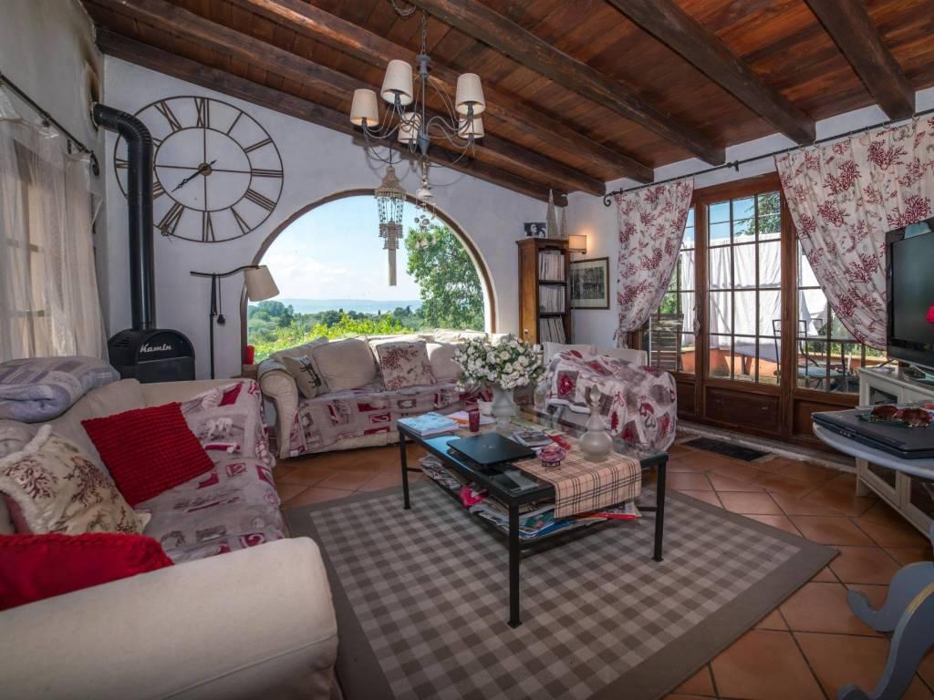 foto Soggiorno Single family villa via Settevene Palo 2, Trevignano Romano