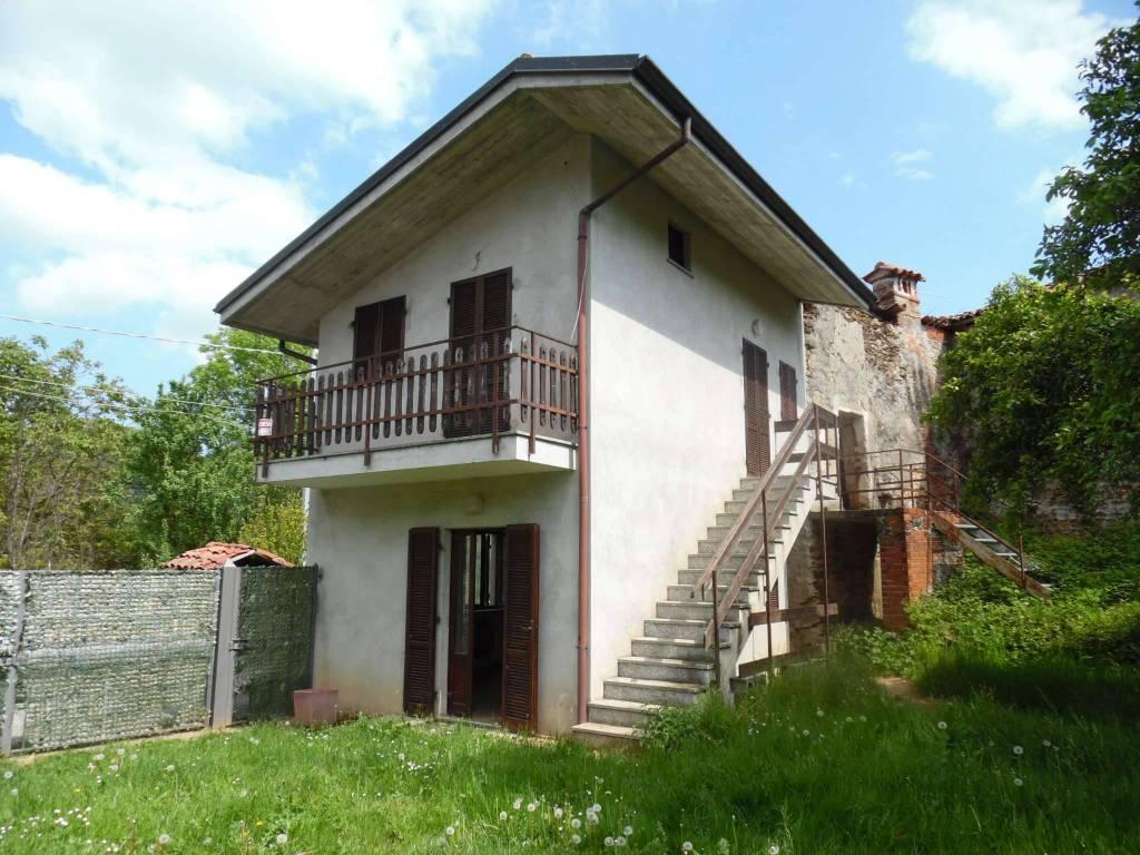 foto Fabbricato Detached house via Castelletto, Colleretto Castelnuovo