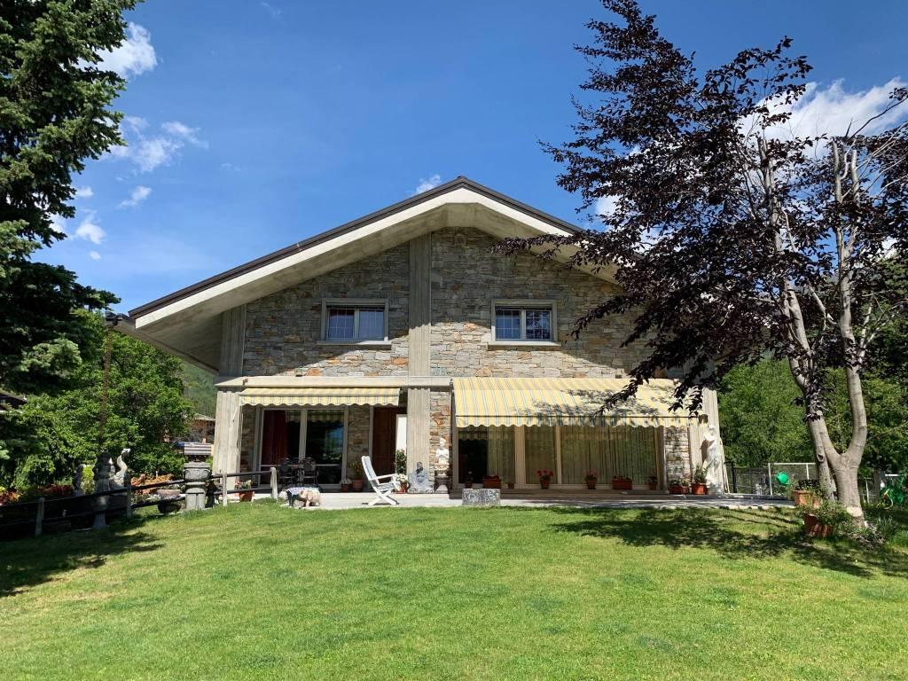 foto  Villa unifamiliare frazione Spesc, Montecrestese