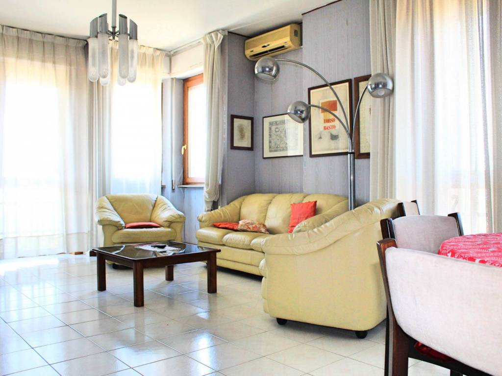 foto soggiorno Appartamento via Niccolò Machiavelli 96, Cagliari