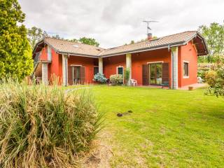 Photo - Single family villa via dei Boschi 1, Oleggio Castello