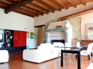 Photo - 4-room flat via Vittorio Gasparini 8, Ambivere