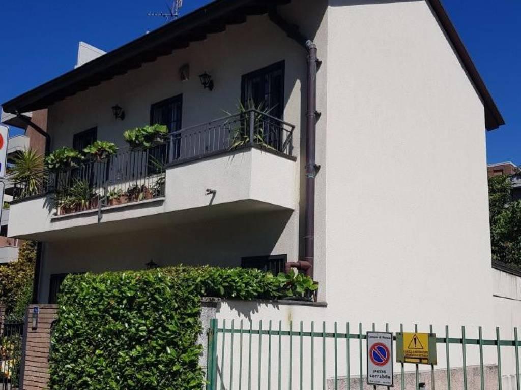 foto  Villa unifamiliare via Jean Sibelius, Monza