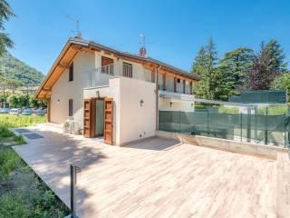 Photo - Terraced house via Alessandro Manzoni 4, Canzo