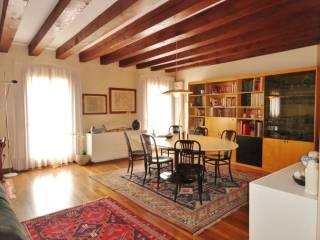 Foto - Appartamento Contra' Corpus Domini, Centro Storico, Vicenza