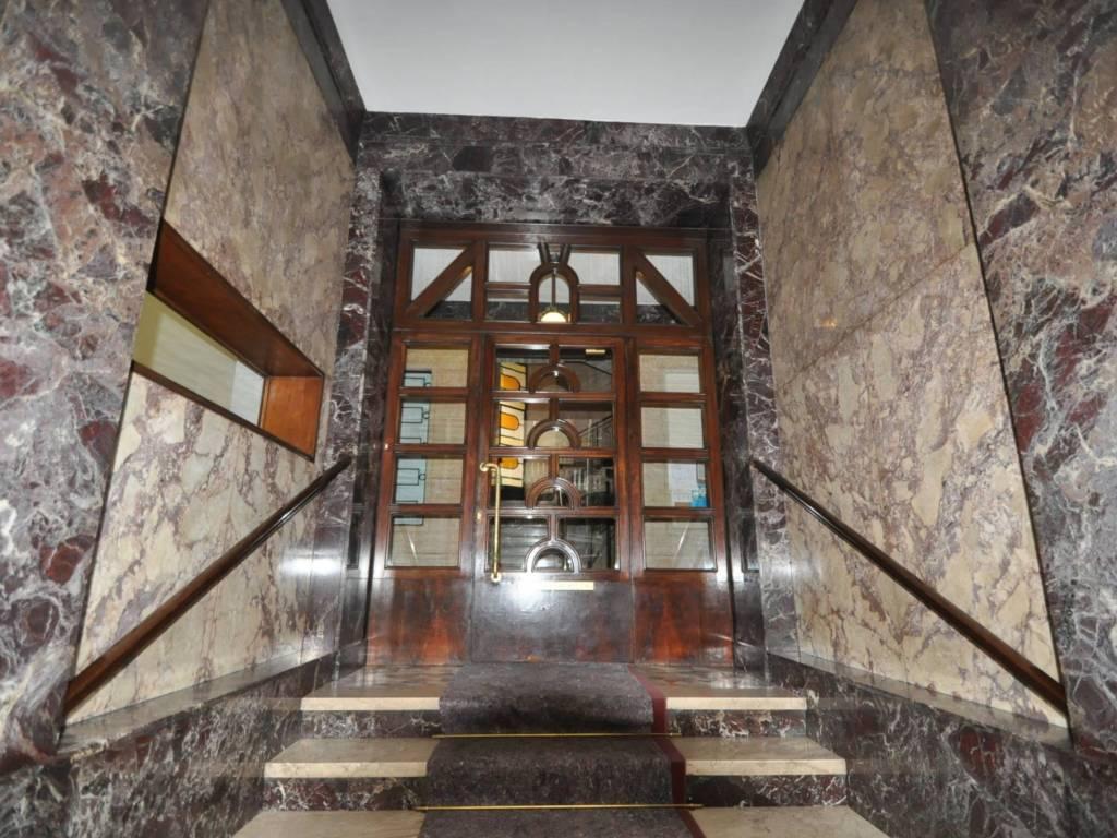 foto INGRESSO STABILE 4-room flat via Serafino dell'Uomo 7, Milano