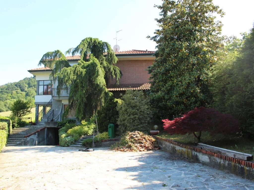 foto esterno Multi-family villa Strada Madonnina 6, Castiglione Torinese