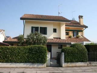 Foto - Villa plurifamiliare via Cristoforo Colombo, Taggi Di Sotto, Villafranca Padovana
