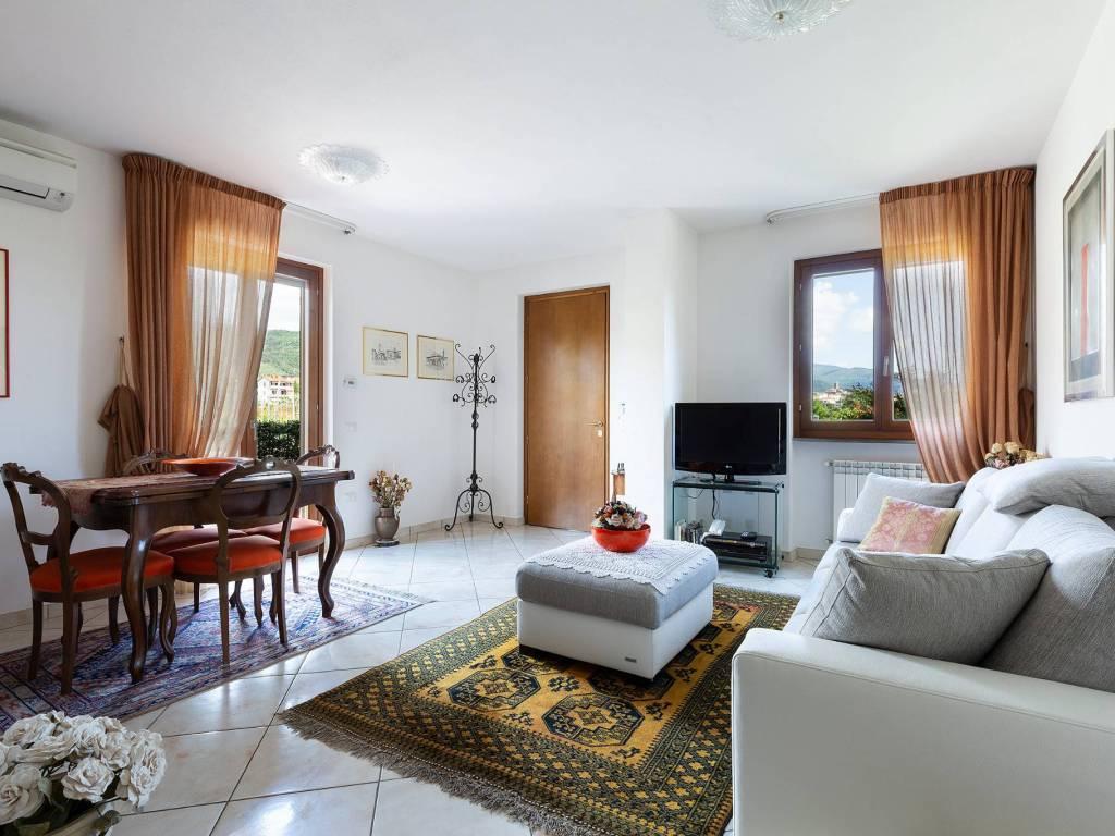foto soggiorno Villa a schiera 5 locali, nuova, Castiglion Fiorentino