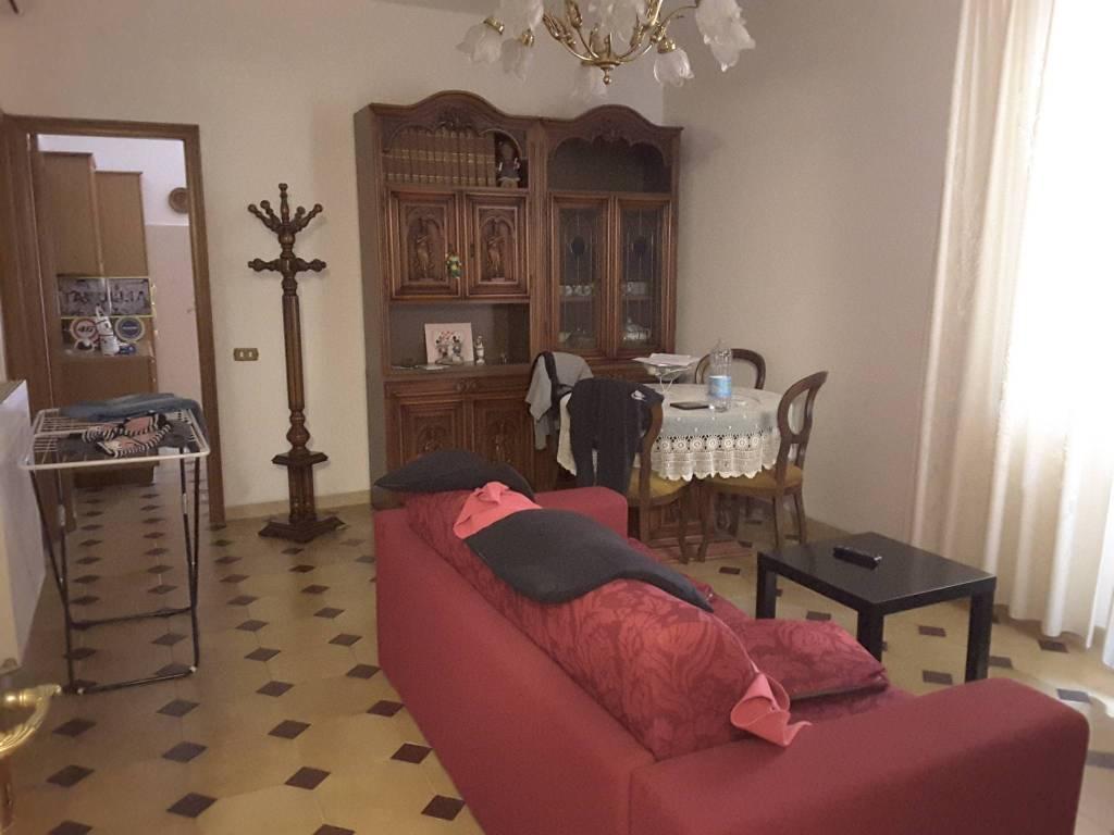 foto Sala. Trilocale via Francolano 128, Casarza Ligure