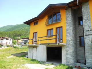 Foto - Appartamento in villa via Prati Fioriti, Cino