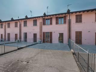 Foto - Villa a schiera via Monte Grappa, Offlaga