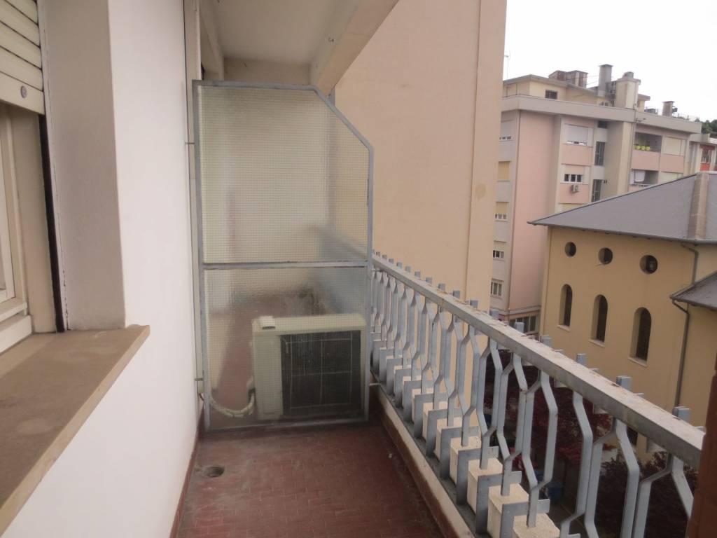 foto terrazzo Трехкомнатная квартира viale Trento, Pordenone