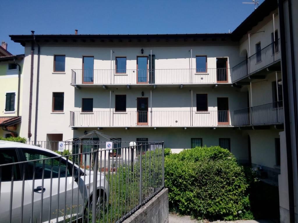 foto  Trilocale via Alessandro Manzoni 19, Clivio