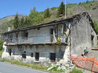 Photo - Country house, to be refurbished, 220 sq.m., Usseaux