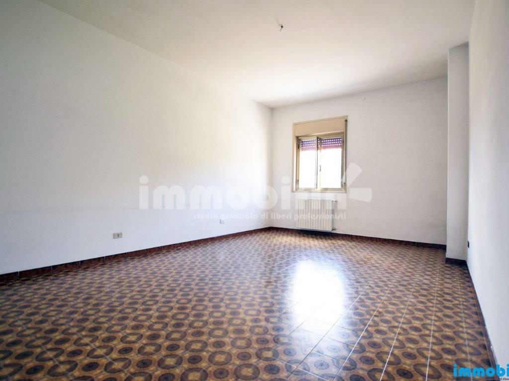 foto soggiorno/salotto Appartamento buono stato, primo piano, Oria