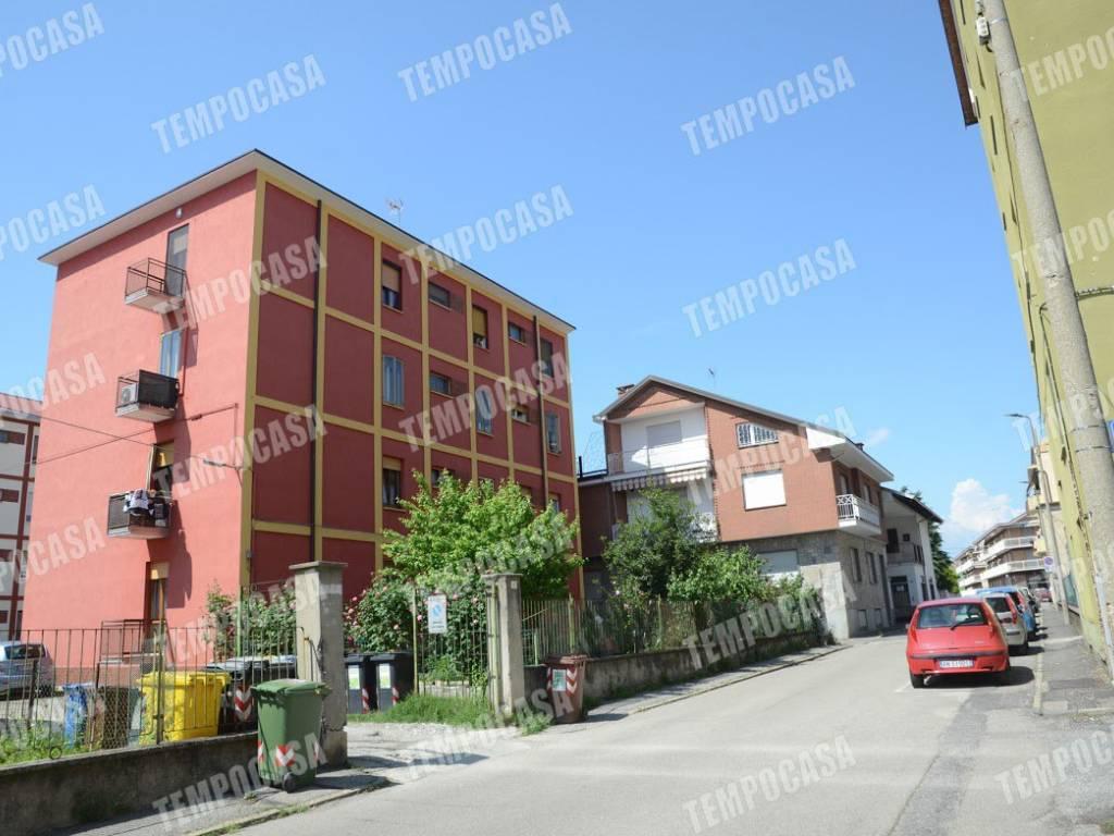 foto FACCIATA Quadrilocale via Martiri di Belfiore 1-a, Settimo Torinese