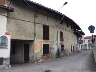 Photo - Country house, to be refurbished, 300 sq.m., Pavone Canavese