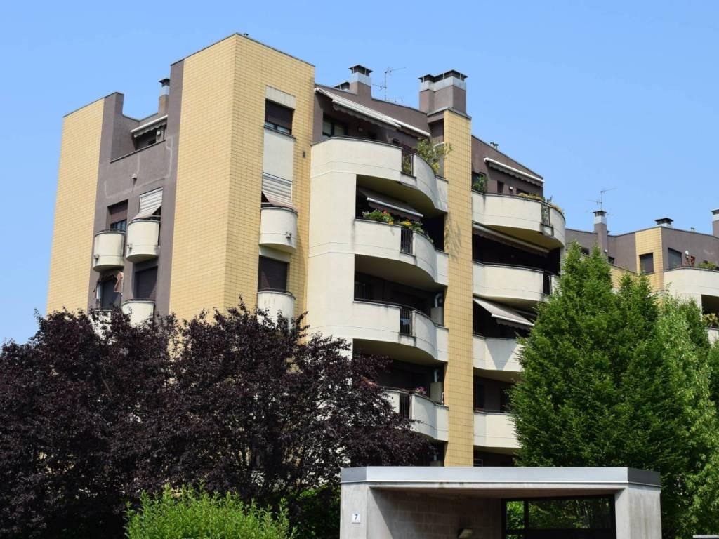foto Condominio Trilocale via San Carlo Borromeo 7, Muggiò
