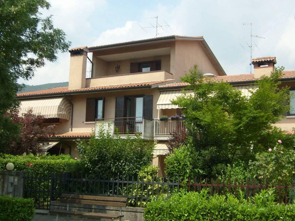 foto esterni Villa a schiera via Don Lorenzo Bulgarini 28, Nuvolera