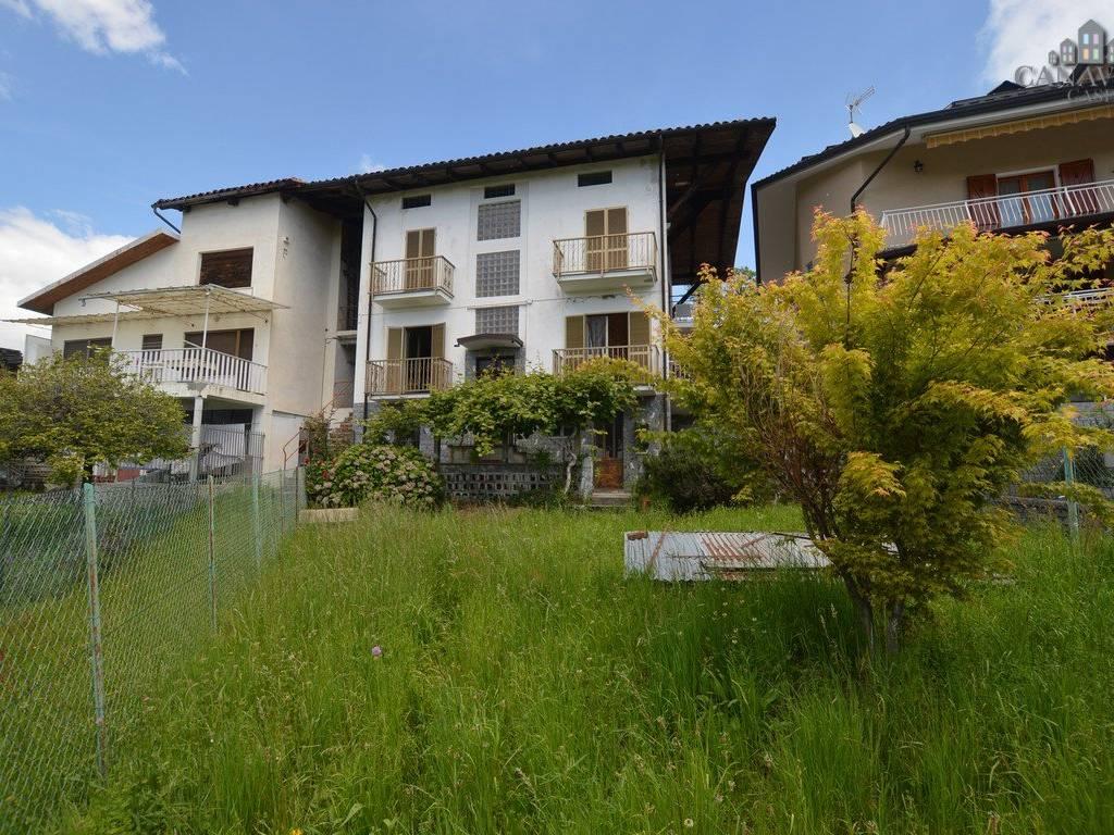 foto facciata Detached house via Caresana 2, Val di Chy