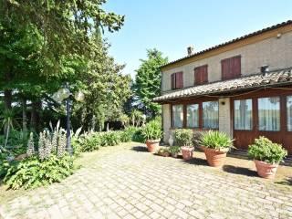 Foto - Villa plurifamiliare Contrada Corneto, Macerata