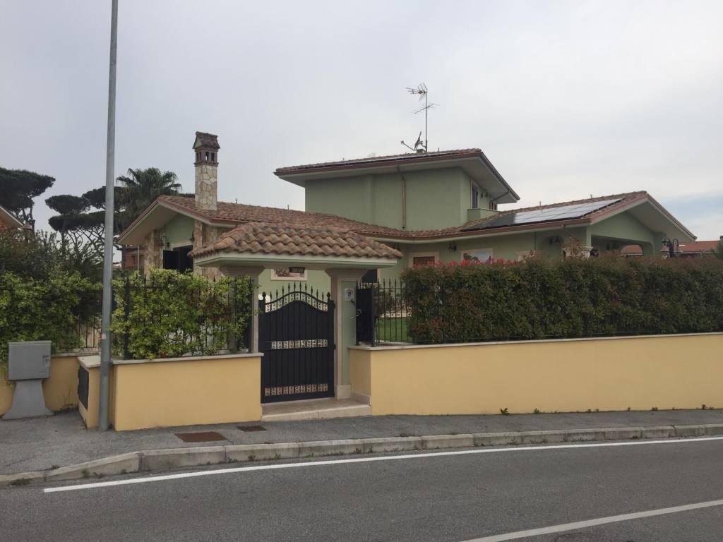 foto 1 Two-family villa via Reatina, Mentana