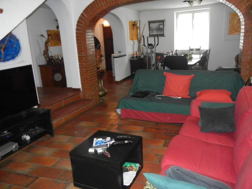 foto  Building via dell'Acqua Acetosa 75, Ciampino