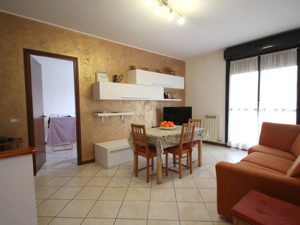 foto sala 3-room flat via Cristoforo Colombo, Cornaredo