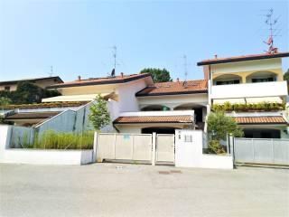 Foto - Villa a schiera via dei Ciliegi, Lurago d'Erba