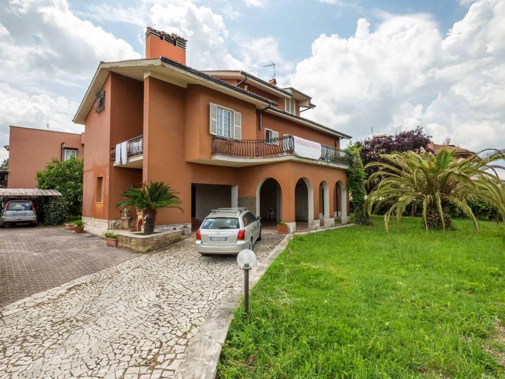 foto Esterno Single family villa via Gaspare Spontini, Mentana