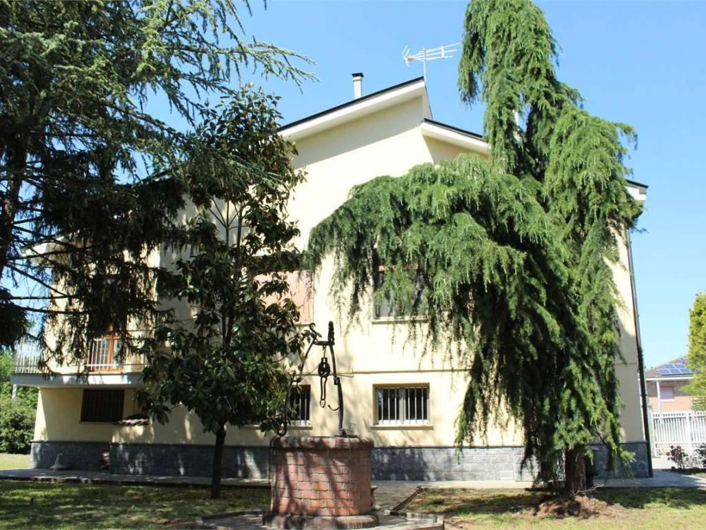 foto esterno laterale Villa unifamiliare, buono stato, 282 mq, Alessandria
