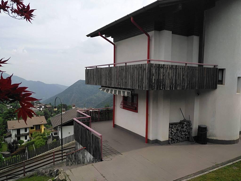 foto  Two-family villa via Cornagera 12, Selvino