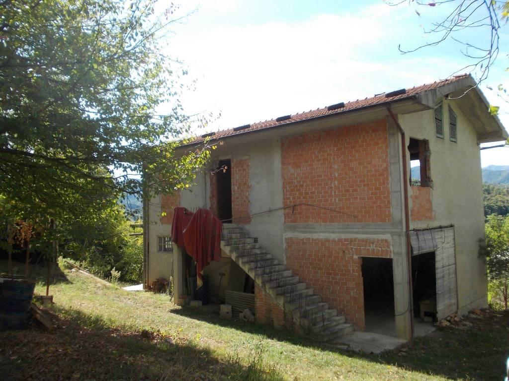 foto  Detached house via Morere, Monastero di Vasco