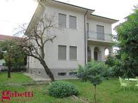Villa Vendita Santa Vittoria d'Alba