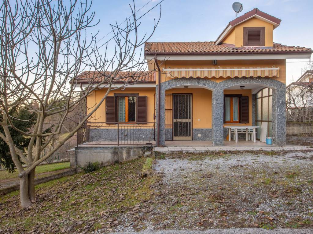 foto  Single family villa via Zemola, Montezemolo