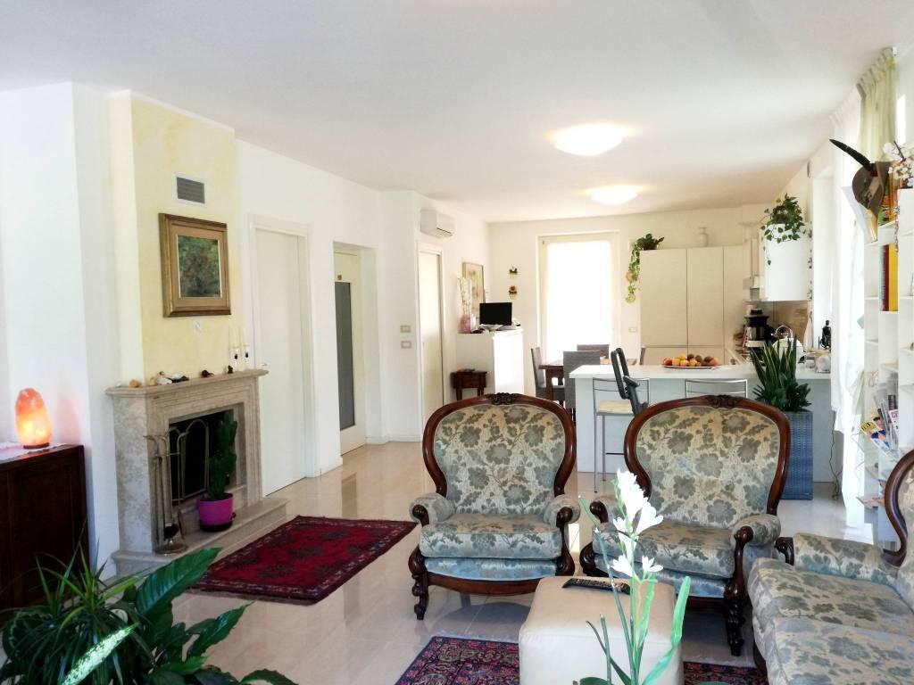 foto  Villa bifamiliare Strada Provinciale della Val d'Illasi, Tregnago