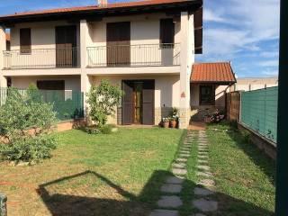 Photo - Terraced house viale 4 Novembre, Castano Primo